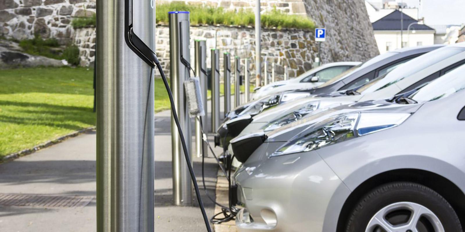Dotace na elektromobily v roce 2020. Podmínky zpřísní a peněz bude méně