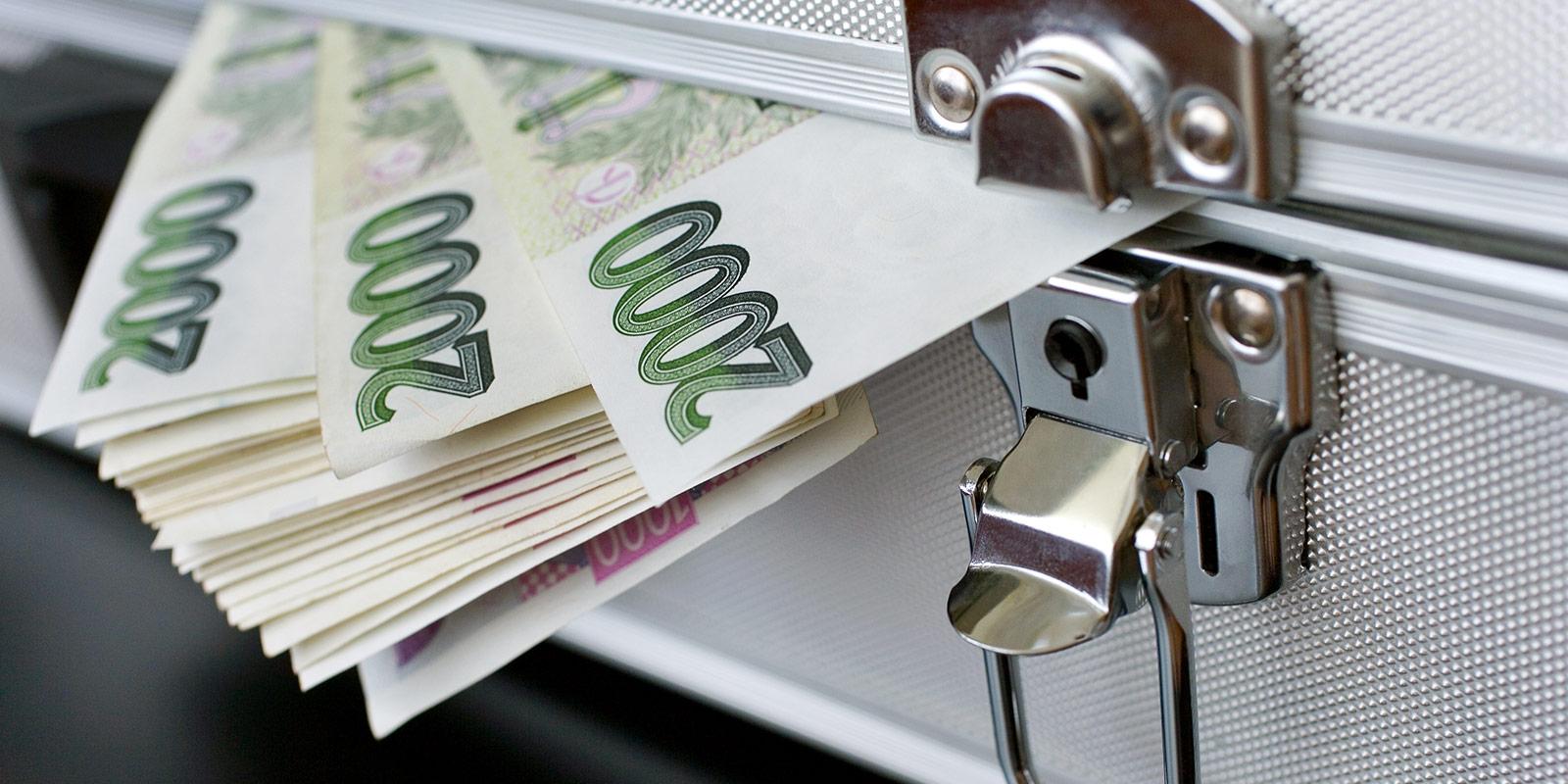Konsolidace půjček nemusí být pouze výhodná. Banky dobře vědí, jak na ní vydělat. Umíte se bránit?