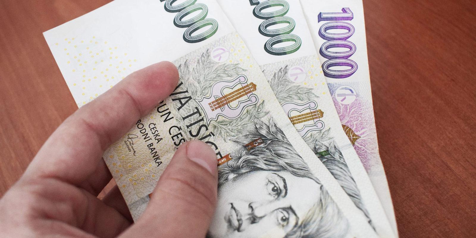 Nejčastější otázky ve vztahu k půjčkám. Můžu si půjčit s exekucí? Co ovlivňuje úrok? Jak budu splácet?