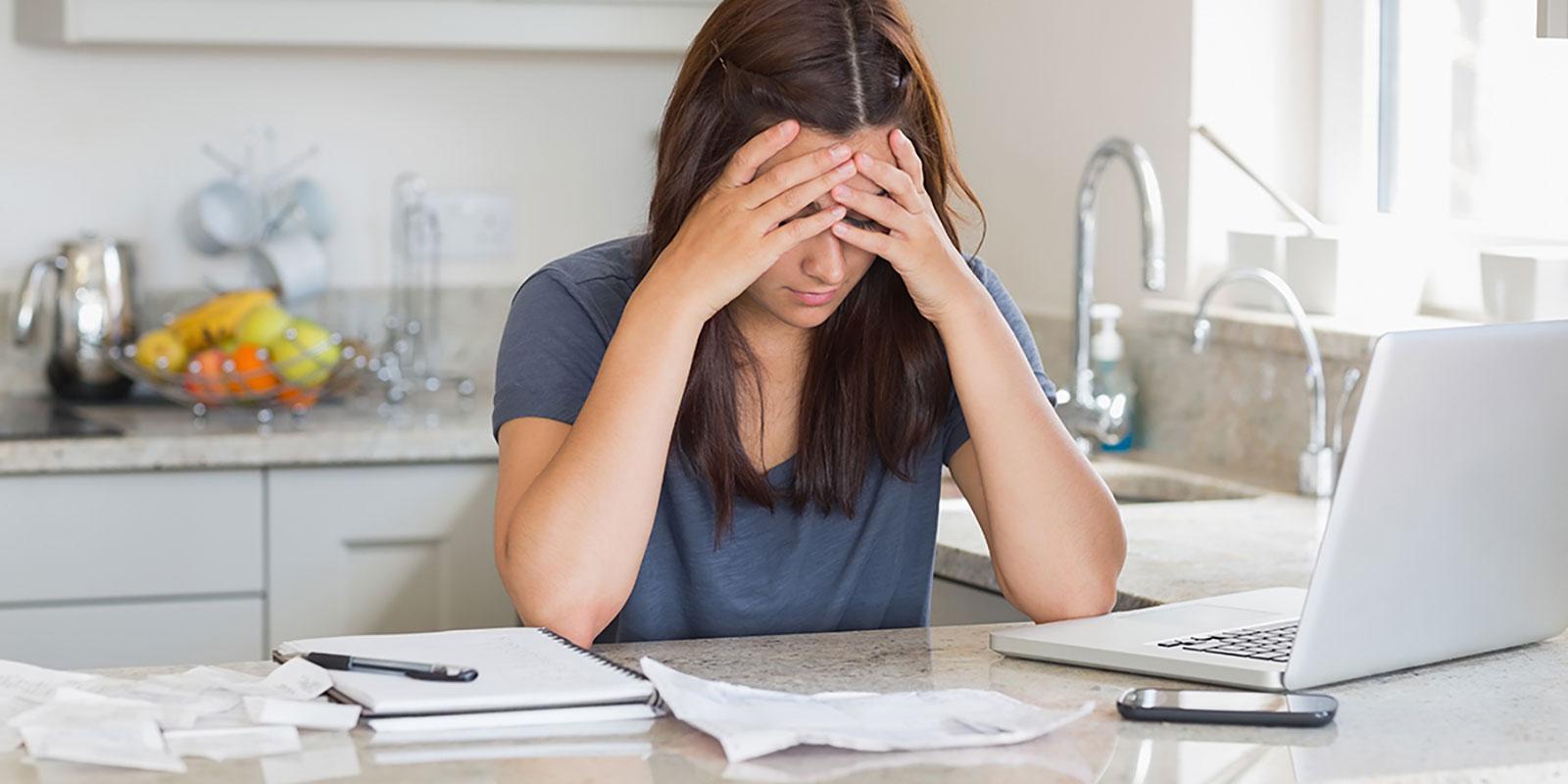 Co hrozí, pokud nebudete splácet své závazky včas? Jaké jsou zákonné úroky z prodlení?