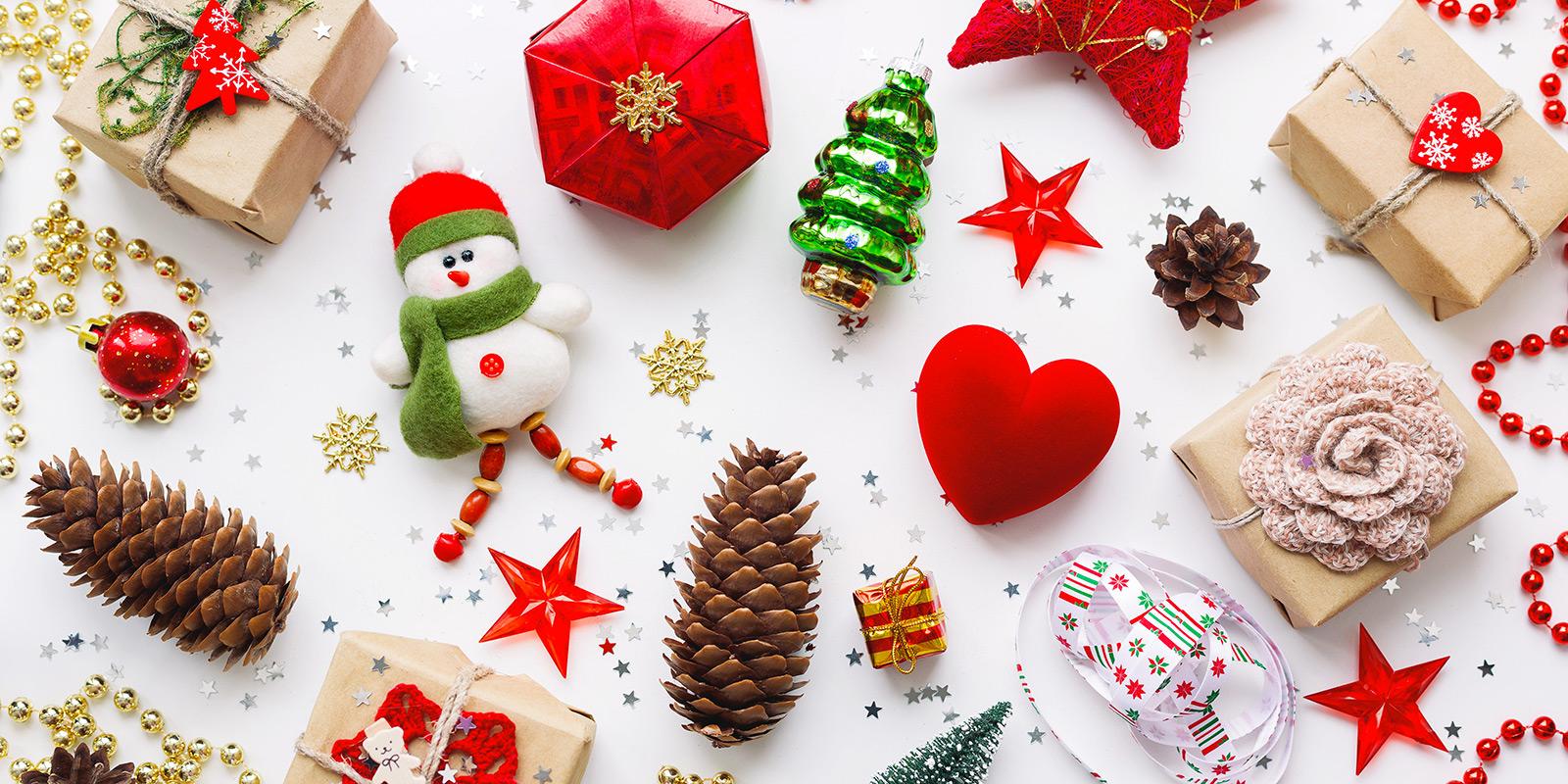 Vánoce letos vyjdou na úterý. Od kdy mají děti prázdniny a do kdy mají obchody otevřeno?